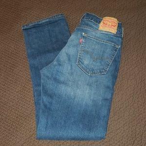 Men's Levi's 514 slim straight jeans.